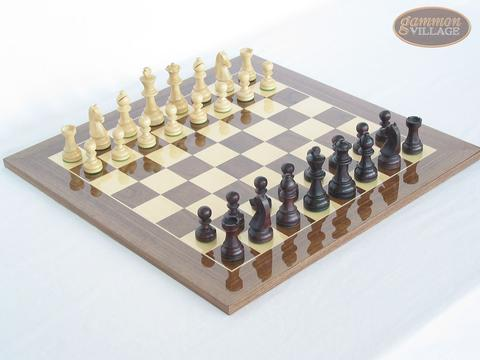 Professional Staunton Maple Chessmen with Spanish Lacquered Chess Board [Wood]