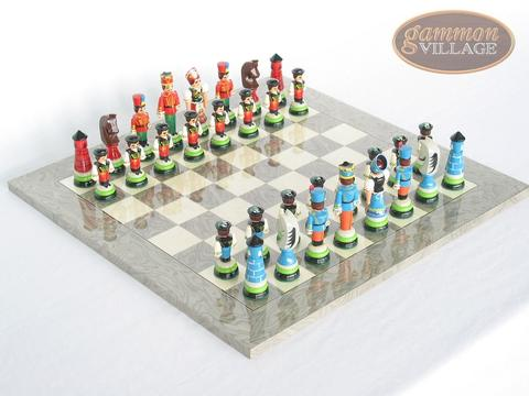 Hungarian Szur Chessmen with Spanish Lacquered Chess Board [Grey]