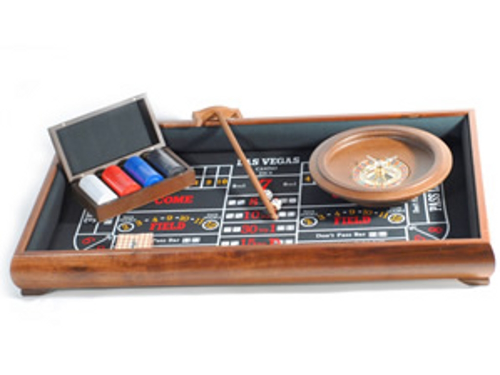 Walnut 3-in-1 Casino/Craps Set