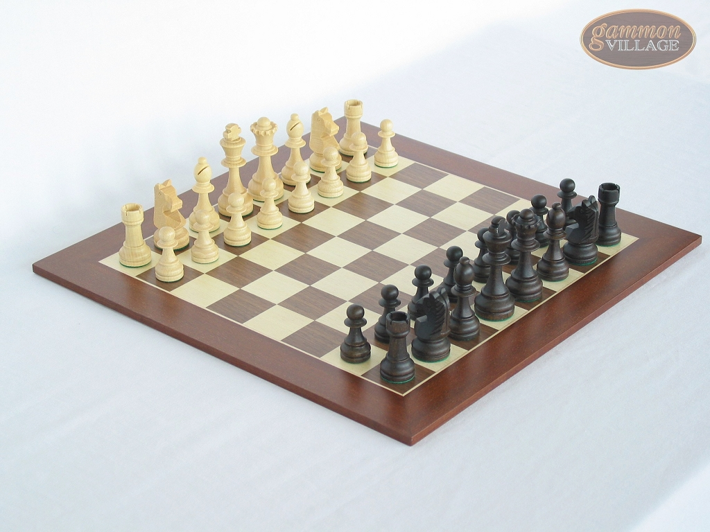 Executive Staunton Chessmen with Spanish Wood Chess Board