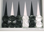 picture of Hector Saxe Carbon Linen/Felt Travel Backgammon Set - White (9 of 12)