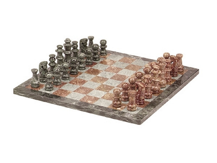 16in. Green and Tan Marble Chess Set