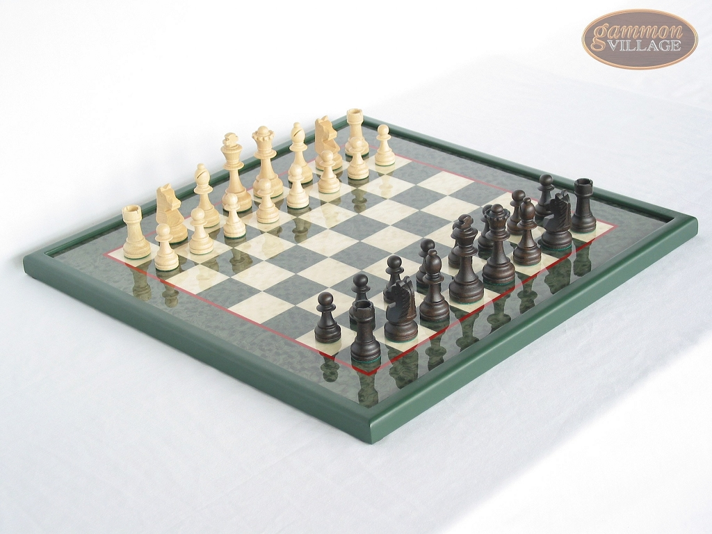 Executive Staunton Chessmen with Italian Lacquered Chess Board [Green]