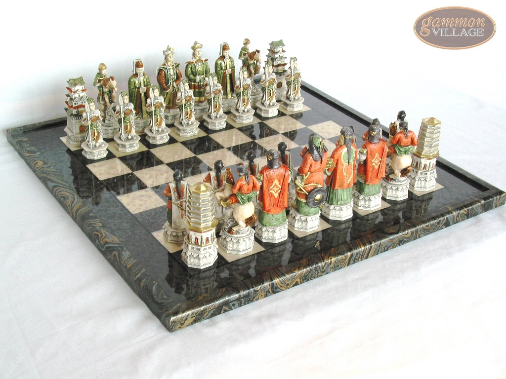 Luxury Oriental Chessmen with Italian Lacquered Board [Black]